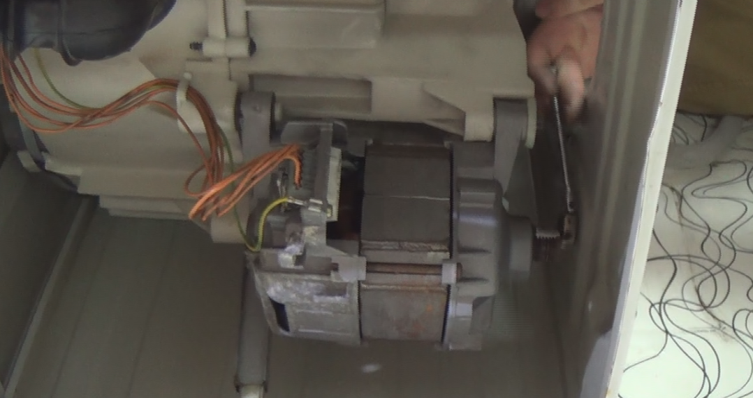 How To Replace A Washing Machine Motor On A Bosch Neff