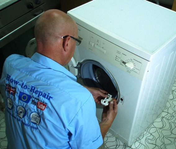 How To Open A Washing Machine Door That Is Stuck Shut