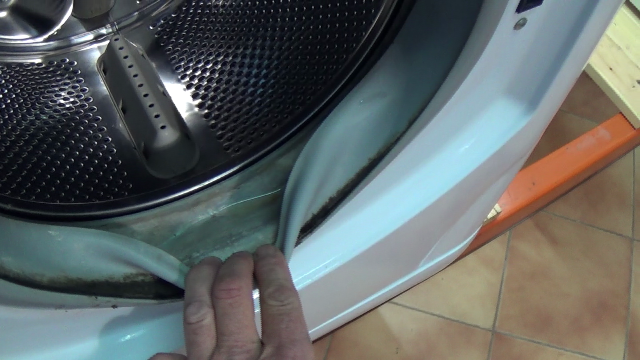 How To Replace A Washing Machine Door Seal On Hotpoint